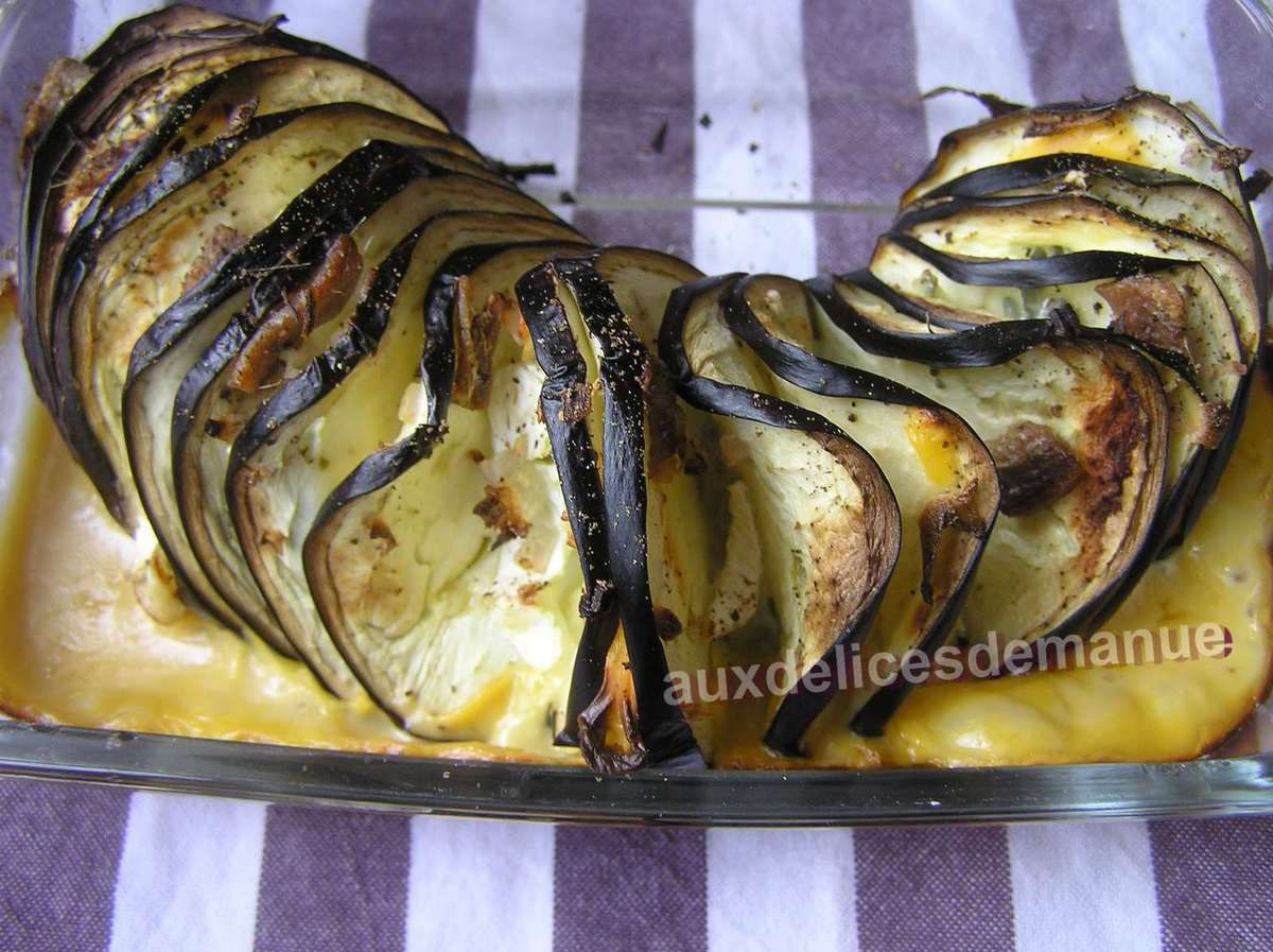 aubergine garnie de fromages au four - LIGHT -