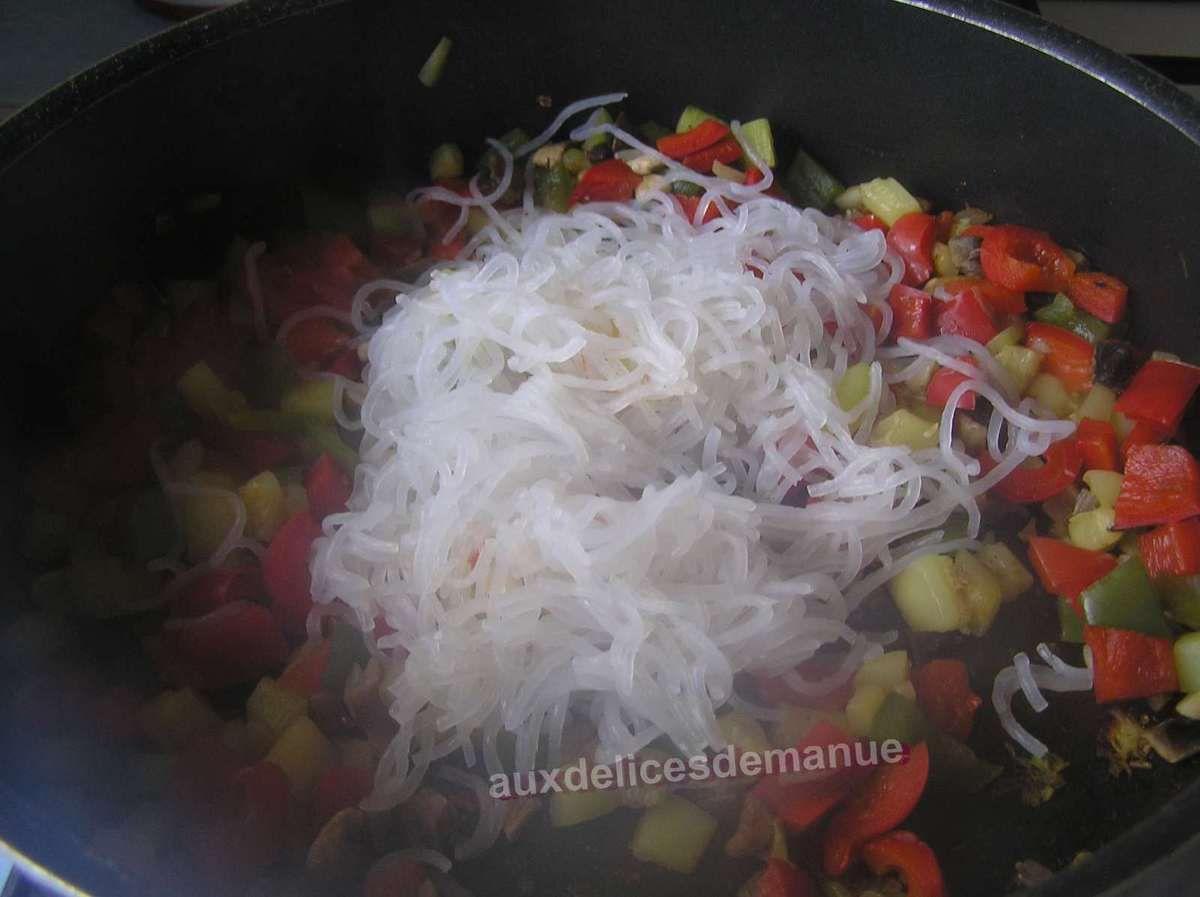 Konjac aux légumes et sauce tomate