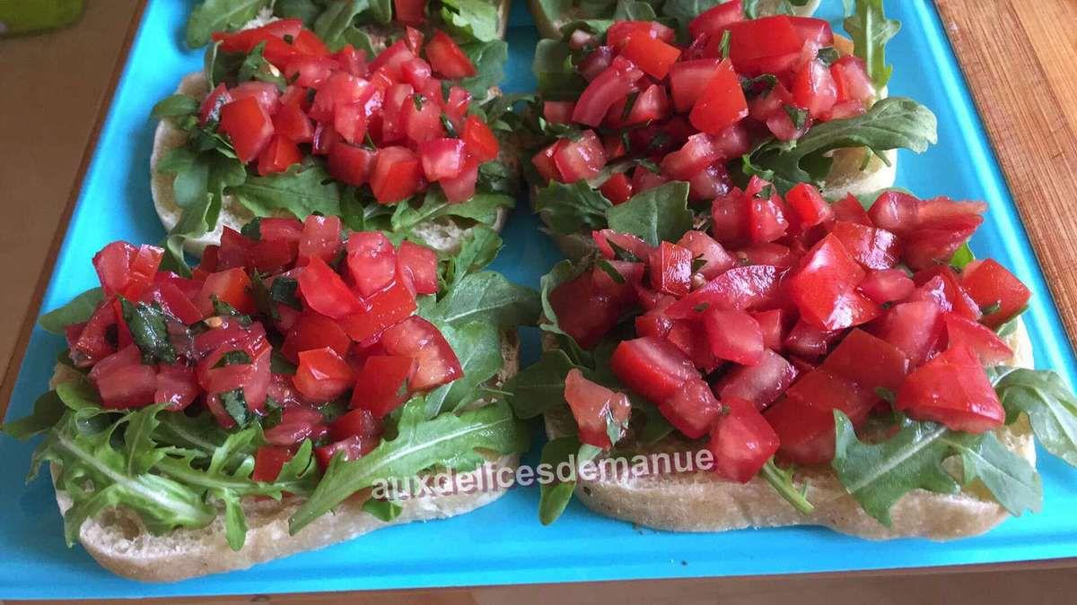 Bruschetta roquette-concassé de tomates au balsamique