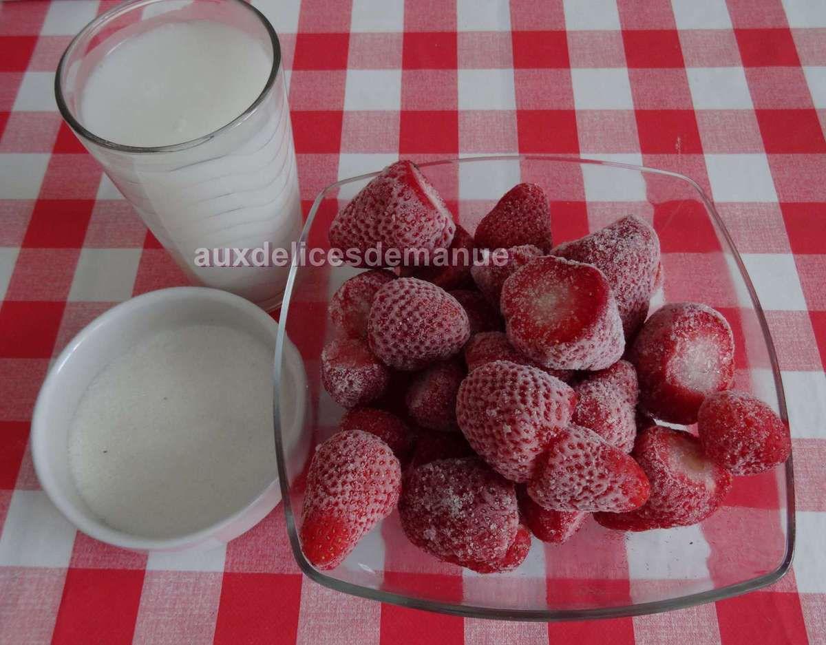 Panna cotta au lait de coco et coulis de fraises -LIGHT-