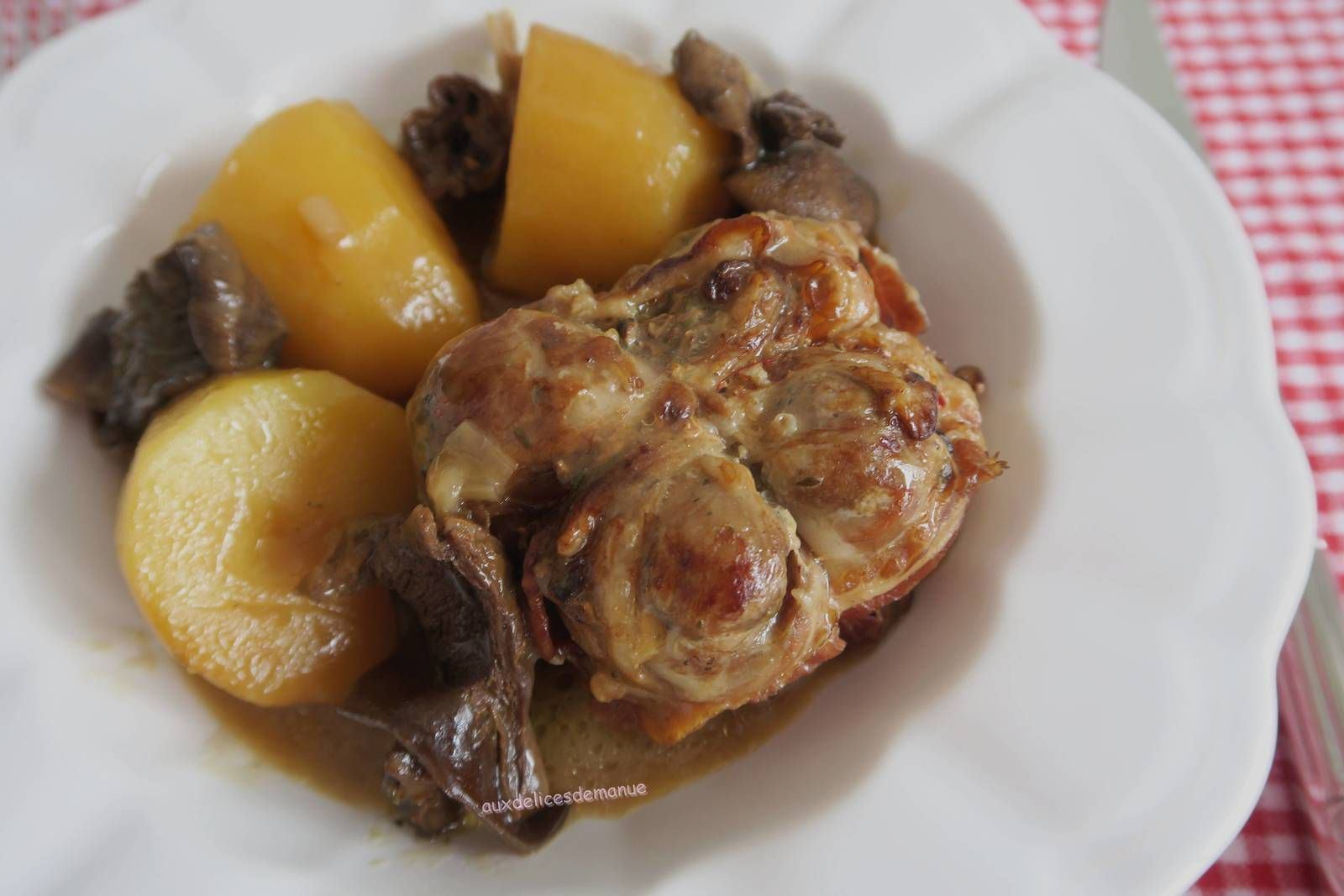 poulet,volaille,cuisses,cèpes,champignons,paupiettes,pommes de terre,plat complet,plat unique