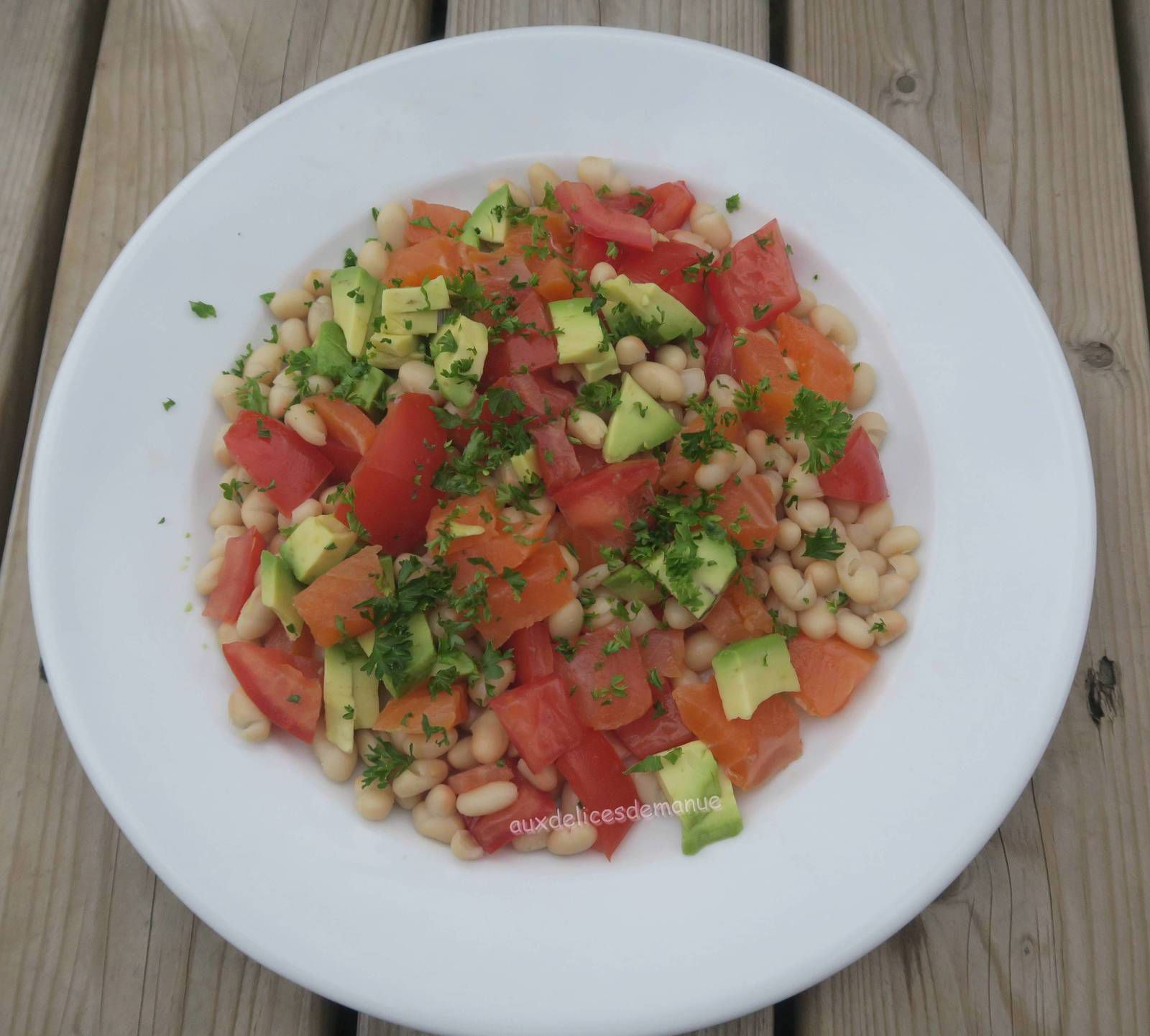 salade,haricots blancs,repas complet,tomate,avocat