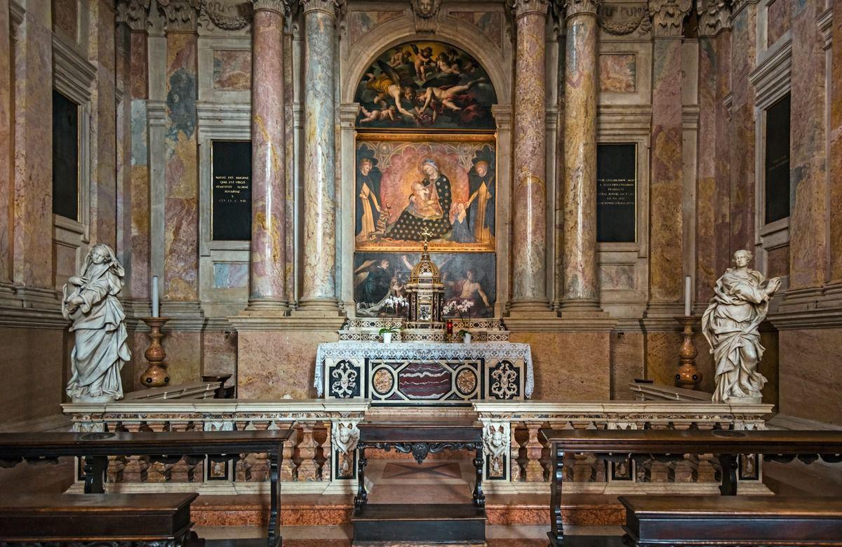 L'autel et le retable de la chapelle du rosaire (1585 - 1596)