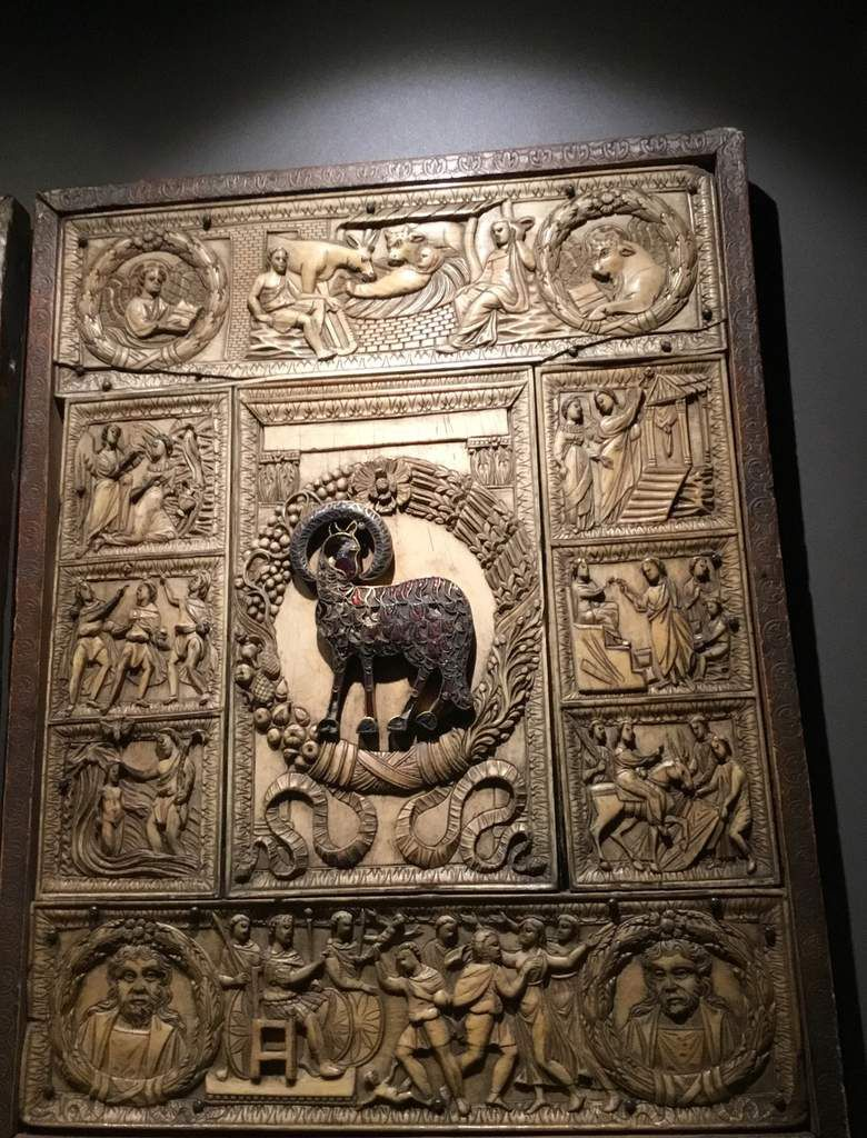 """Evangeliary cover known as """"Diptych of the five Parts"""", Roman workshop, Last quarter of 5th century"""