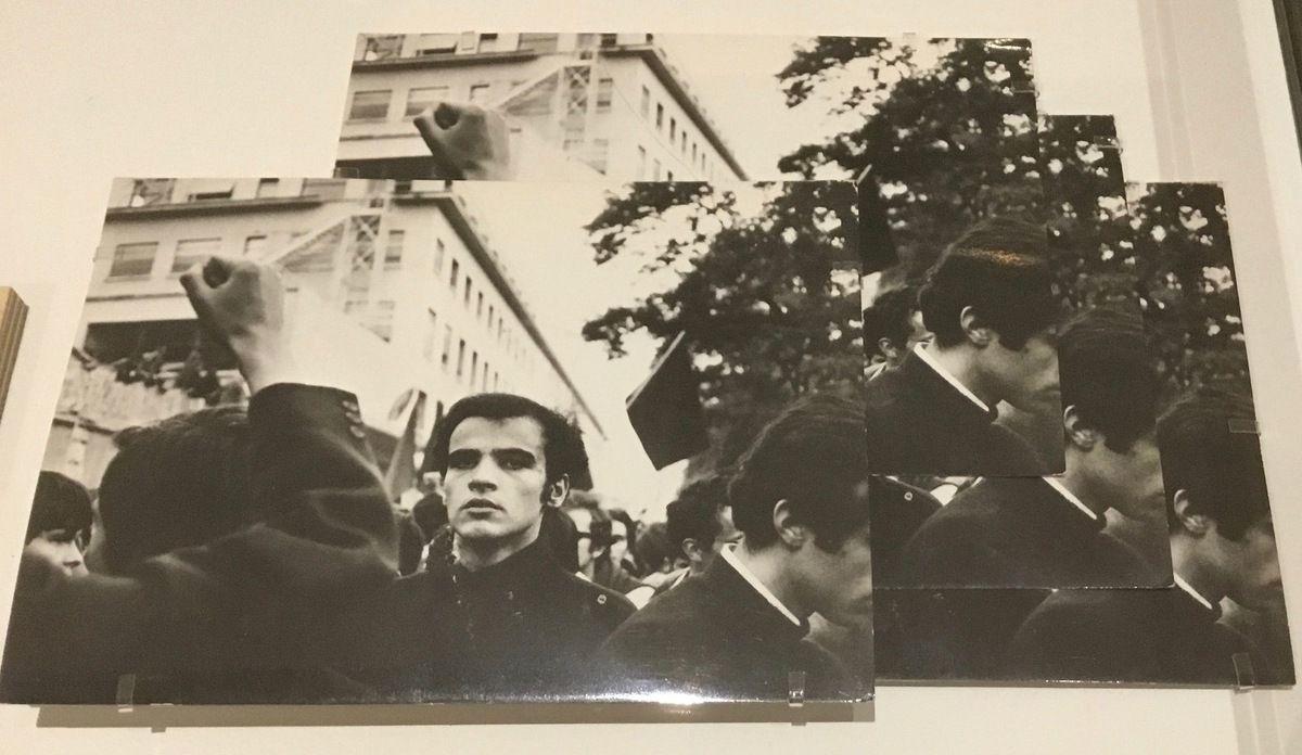 Jeune manifestant parmi la foule, Paris, mai 1968, Jean-Philippe Charbonnier, 4 tirages argentiques d'époque