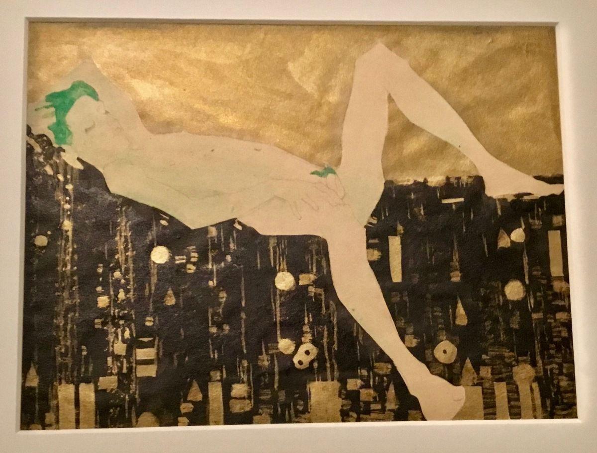 Jeune garçon nu, couché sur une couverture à motifs, 1908, Crayon, gouache, peinture or et encre de Chine sur papier, Leopold Museum, Vienne