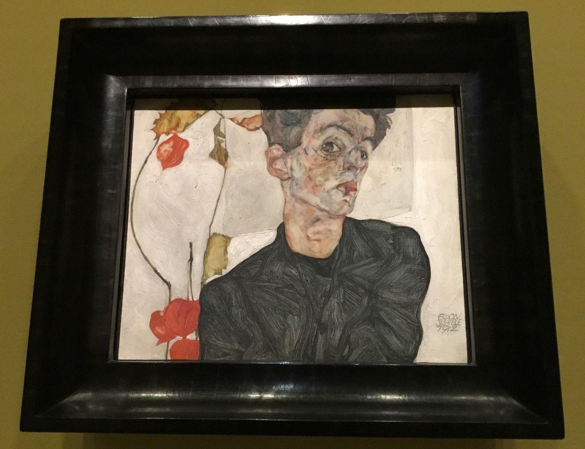 Autoportrait au coqueret, 1912, Huile et gouache sur bois, Leopold Museum, Vienne