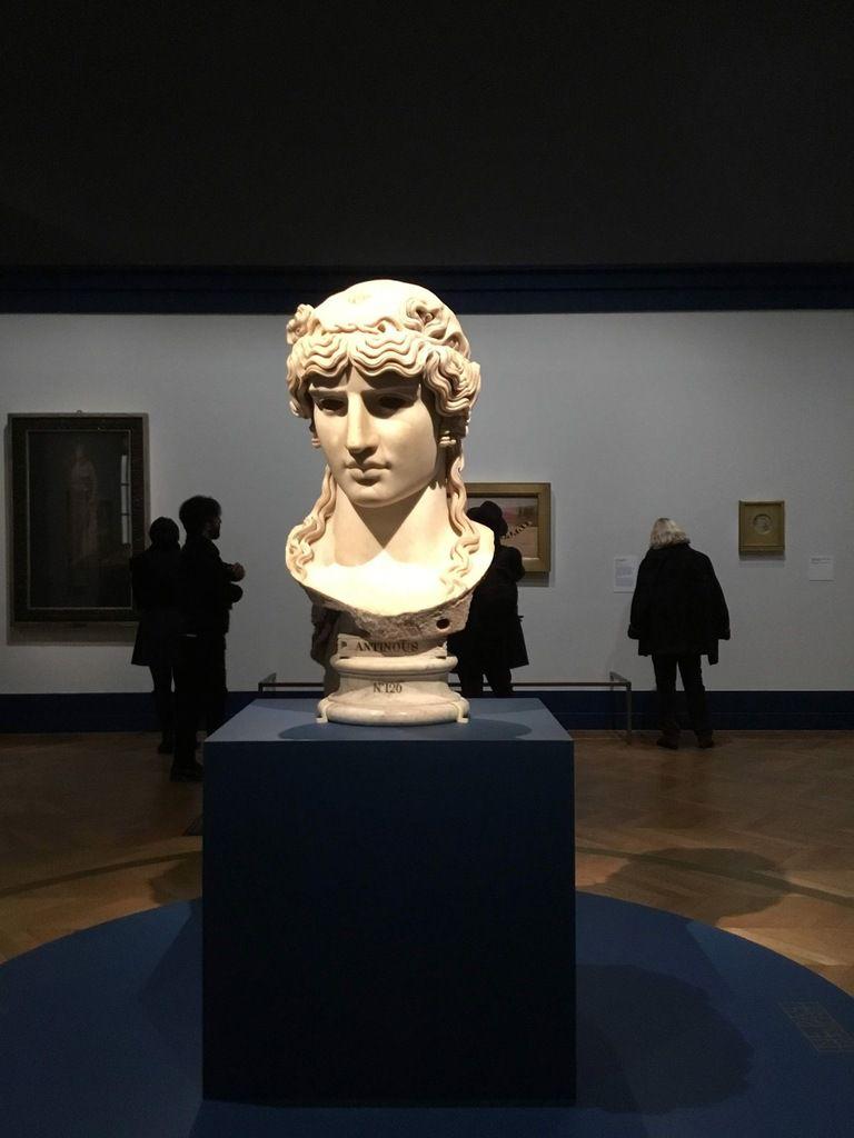 Antinoüs Mondragone, Italie, vers 130 après J.-C., Paris, musée du Louvre, département des Antiquités grecques, étrusques et romaines