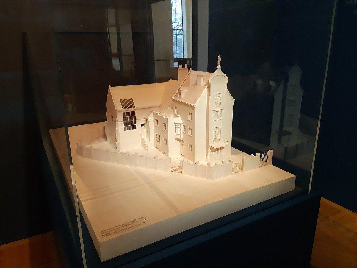 Maquette de la maison-atelier de Fernand Khnopff (Architecte Édouard Pelseneer - terminée en 1902 - sise avenue des Courses n° 41 à Ixelles - détruite en 1938) © Internet
