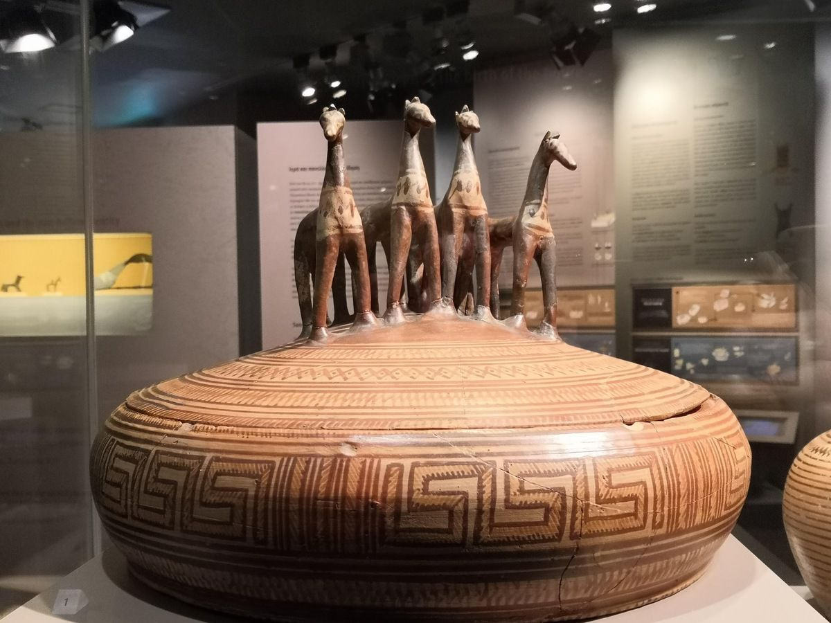 Large Attic pyxis with lid crowned by four horse figurines. 760-750 BC (Late Geometric Ia period)