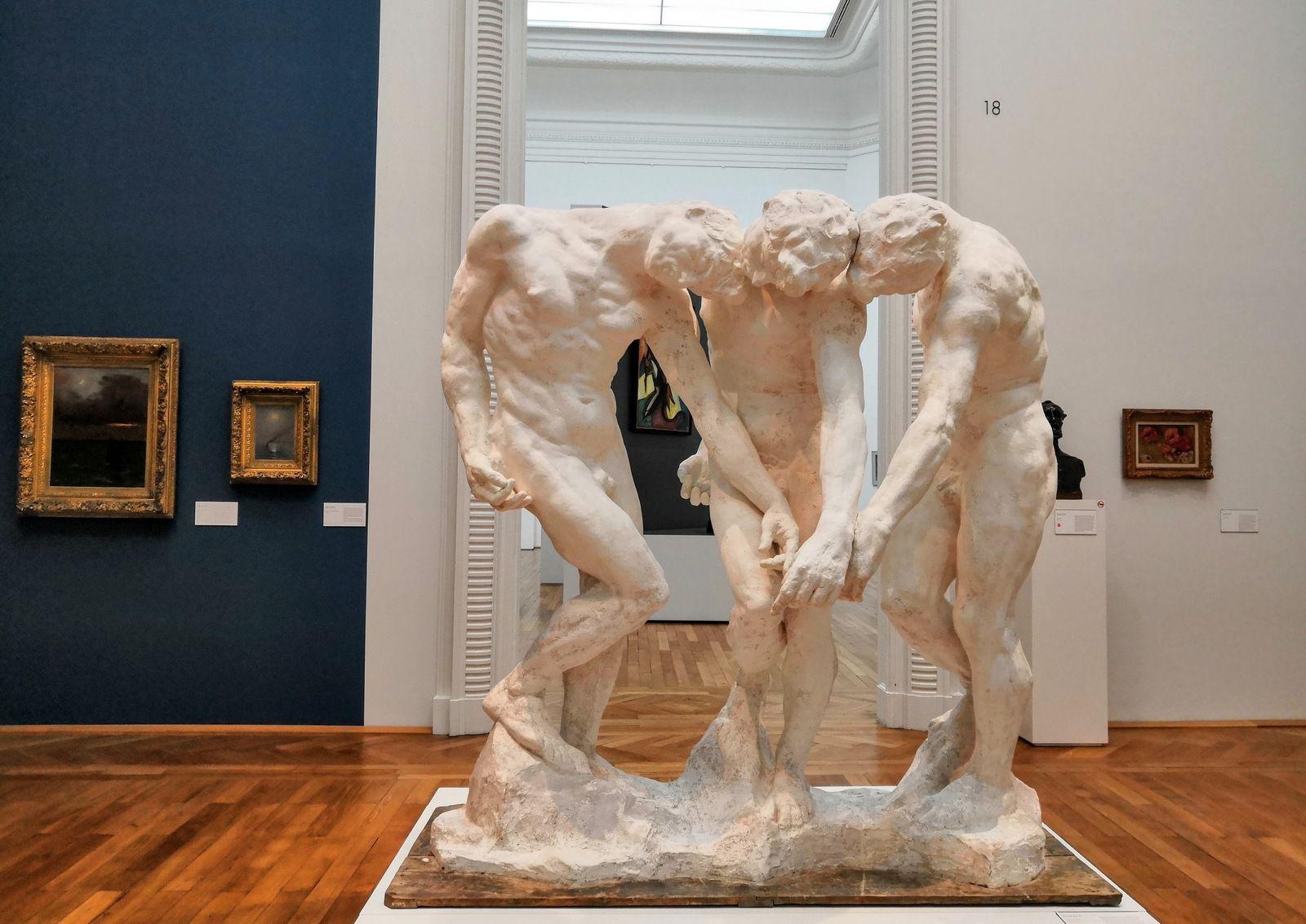 Auguste Rodin, les trois Ombres, Vers 1880-1886, Plâtre modèle probablement réalisé à partir de trois épreuves tirées d'un moule de la Grande Ombre, assemblées sur une même base