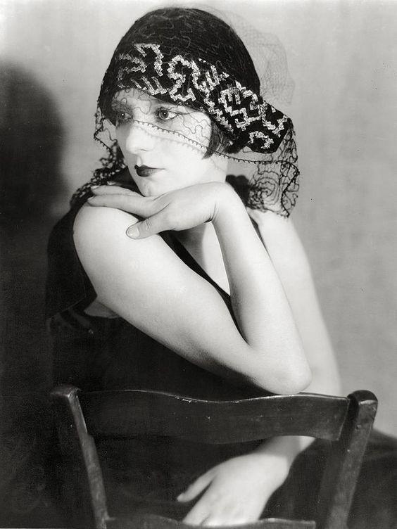 Man Ray - Alice Prin (Kiki de Montparnasse) 1922