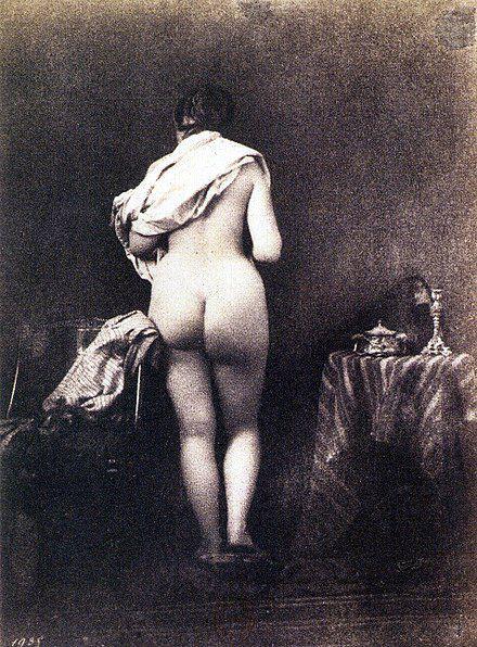Julien Vallou de Villeneuve - Henriette Bonnion  posant pour Les Baigneuses, 1853