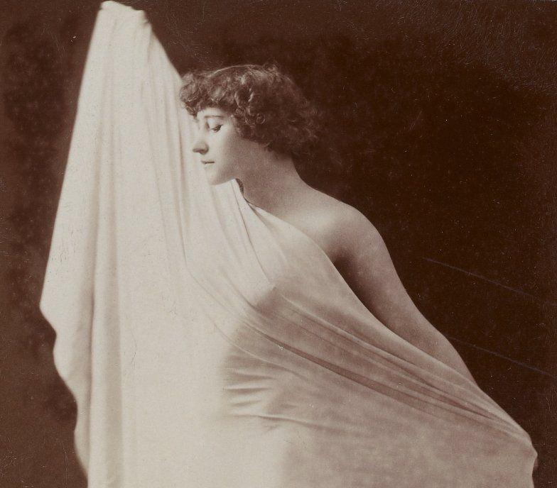 Colette - La chair (Colette nue sous le drap)