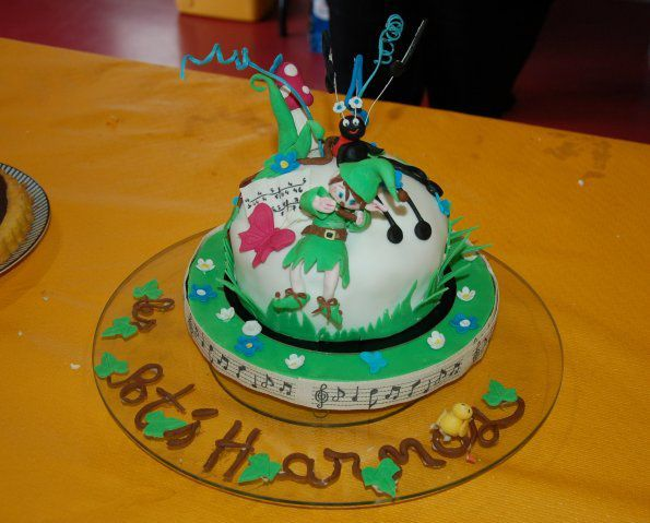 Harmonica cake