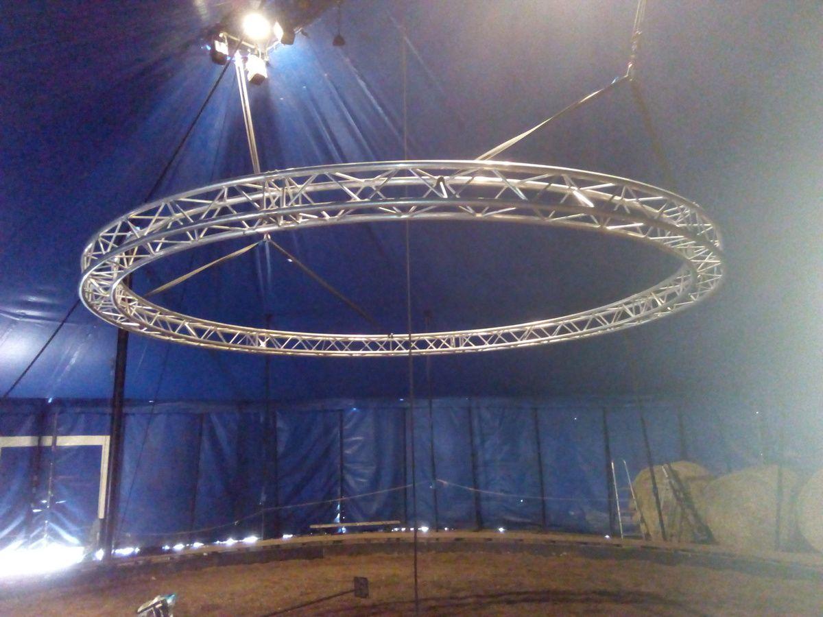 Structure alu circulaire à vendre / Envoyé par Equinote le 18.03.19