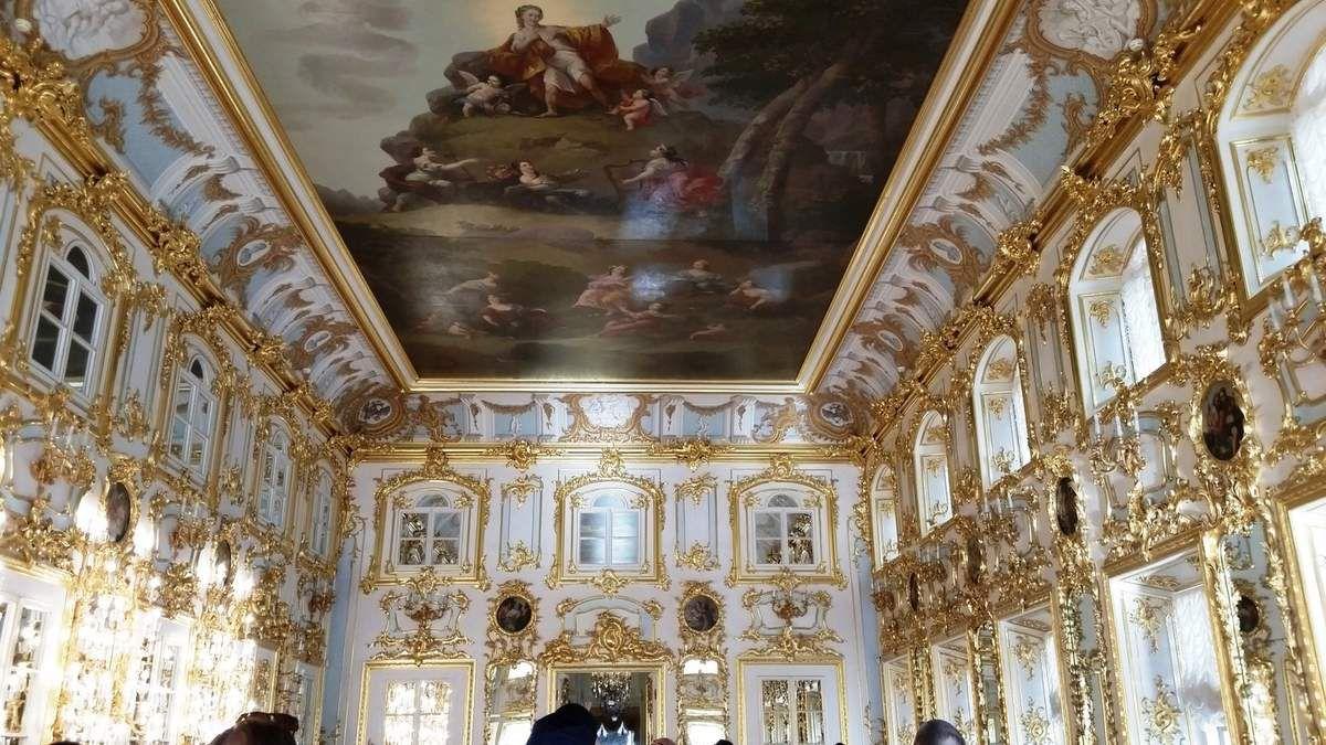 Le palais de Peterhof (Russie)