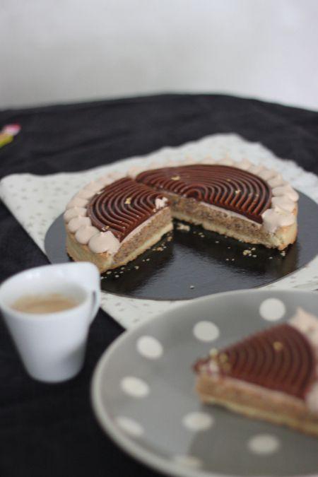 tarte tourbillon carambar, vanille et noisette