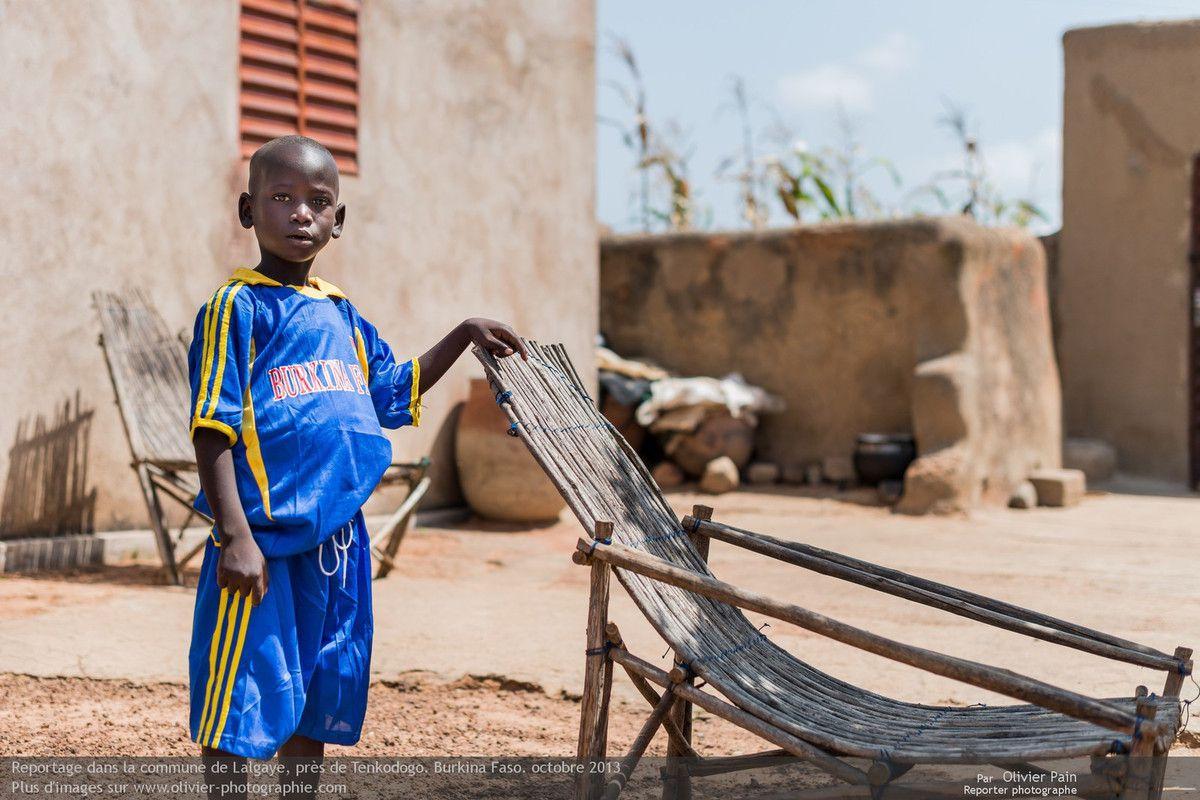 Photo : Portrait du petit fils du chef du village de Gouli.
