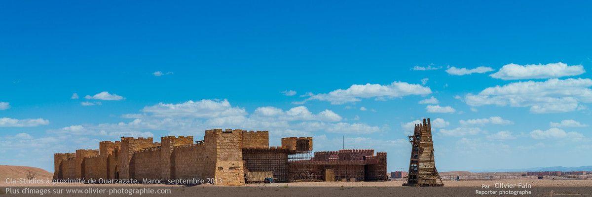 Photo : La seconde partie est la reconstitution d'un forteresse. Elle est à quelques centaines de mètres des premiers studio ce qui permet la réalisation de plans larges.