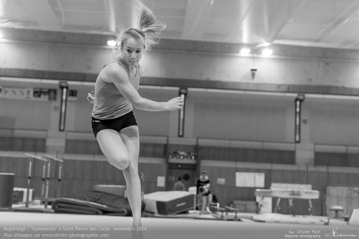 Reportage Gymnaste à Saint pierre des Corps près de Tours en France. Reportage sur la gymnastique en france.