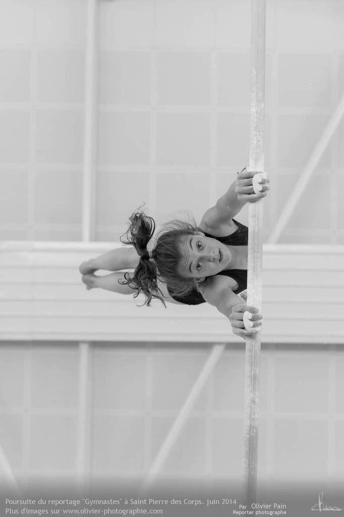 Reportage sur la gymnastique en France. Suivi de jeunes gymnastes. Reportage réalisé à Saint Pierre des Corps à 4 km de Tours