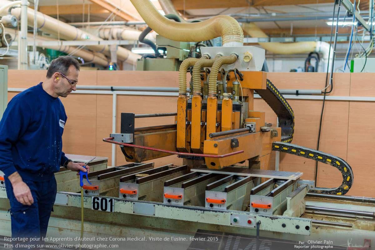 Reportage Les apprentis d'auteuil chez Corona Medical,  Le 09/02/2014  Visite du site de production de Corona Médical par les apprentis d'Auteuil.