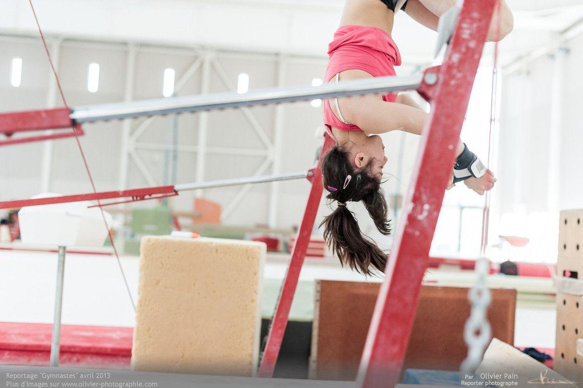 Reportage sur la gymnastique artistique féminine réalisé à Saint Pierre des Corps au gymnase du Val Fleuri à quelques km de Tours en France.
