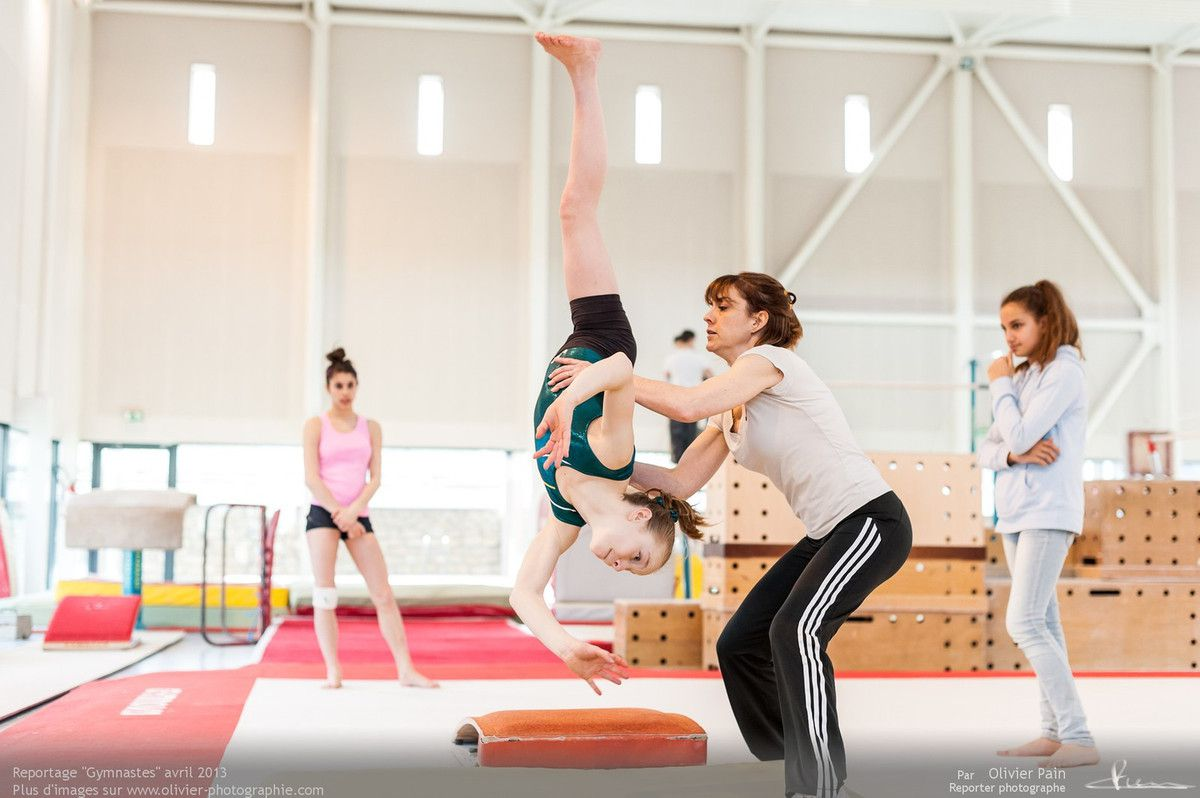 Reportage sur la gymnastique en France réalisé au gymnase de Saint Pierre des Corps, le gymnase du Val Fleuri situé à 4km de la ville de Tours.