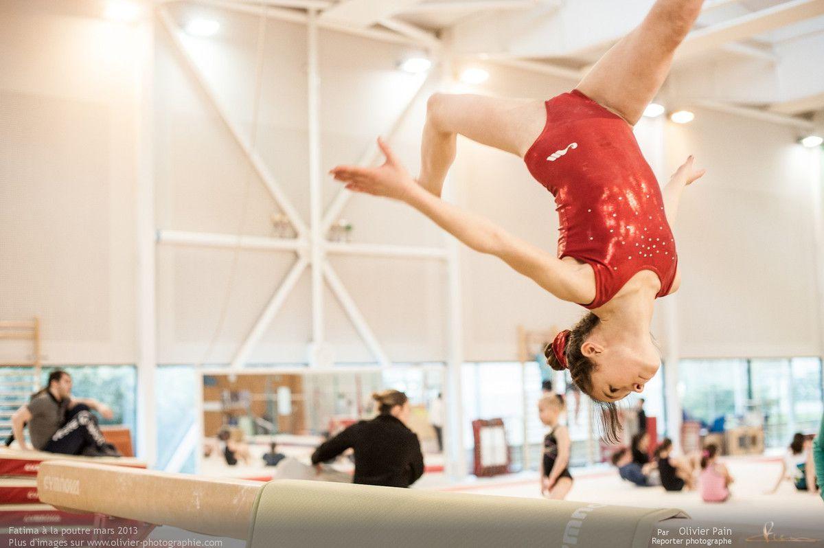 Reportage sur la gymnastique en France réalisé au gymnase du Val Fleuri à Saint Pierre des Corps près de Tours. Suivi de jeunes gymnastes sur le long terme.