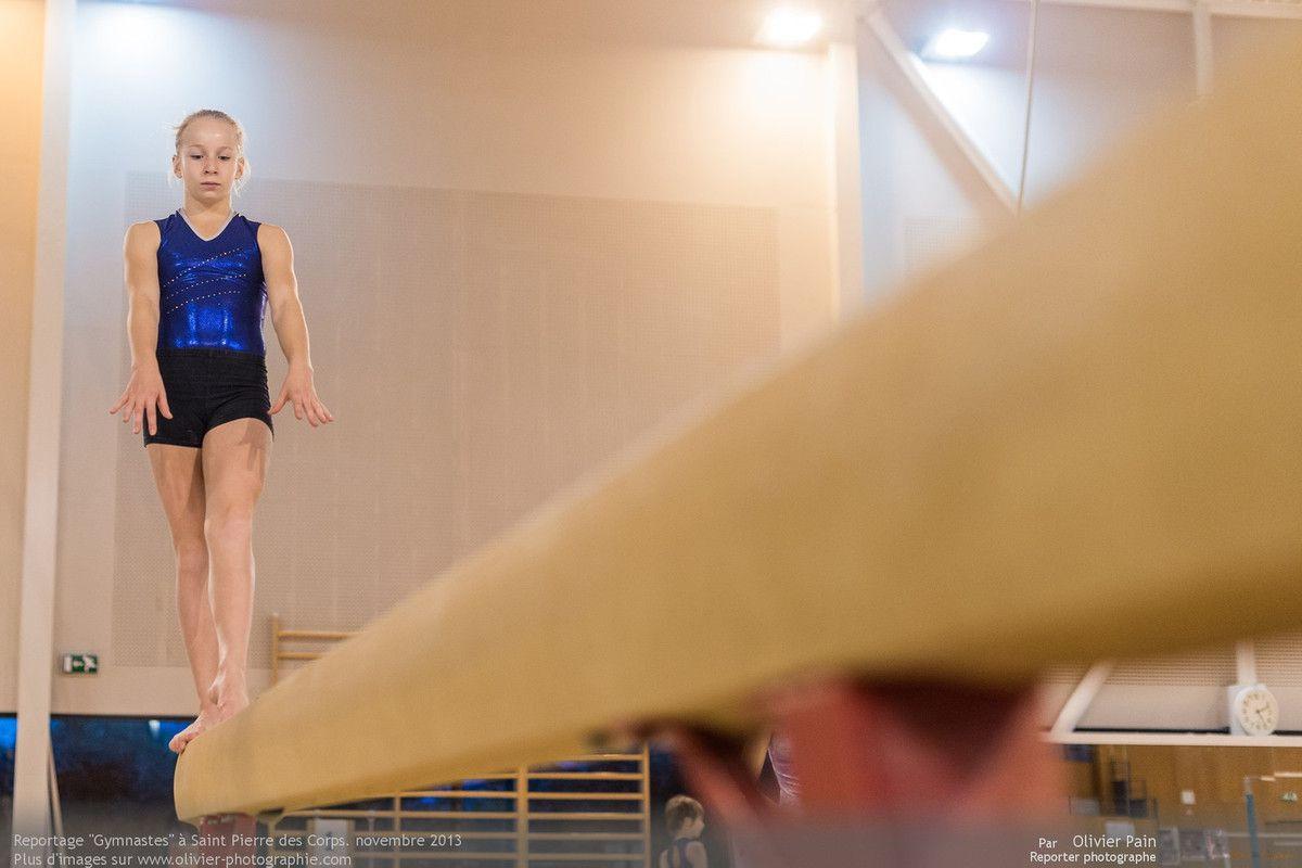 Reportage sur la gymnastique en France. Mené à Saint Pierre des Corps à quelques km de Tours. Il a pour thème le suivi de jeunes gymnastes.