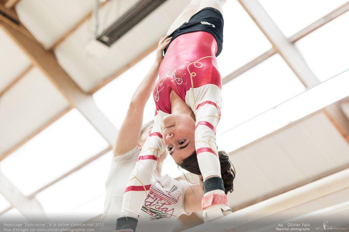 Reportage sur la gymnastique artistique féminine réalisé à Joué les Tours au gymnase de la vallée violette.