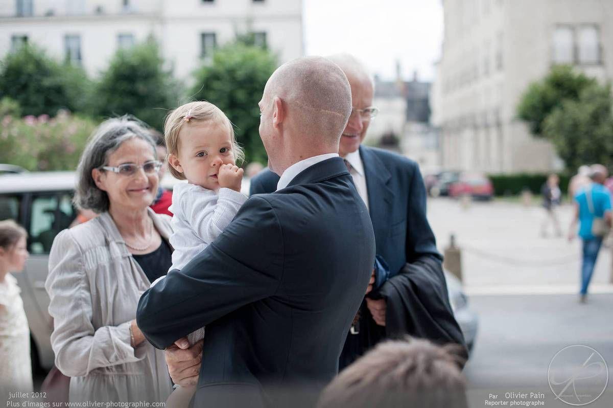 Reportage lors d'un mariage près de Tours en France. Par Olivier Pain reporter photographe à tours.