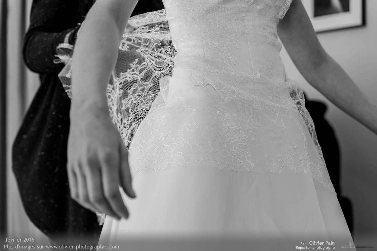 Reportage lors d'essayge de robe de mariée à tours chez Linece.