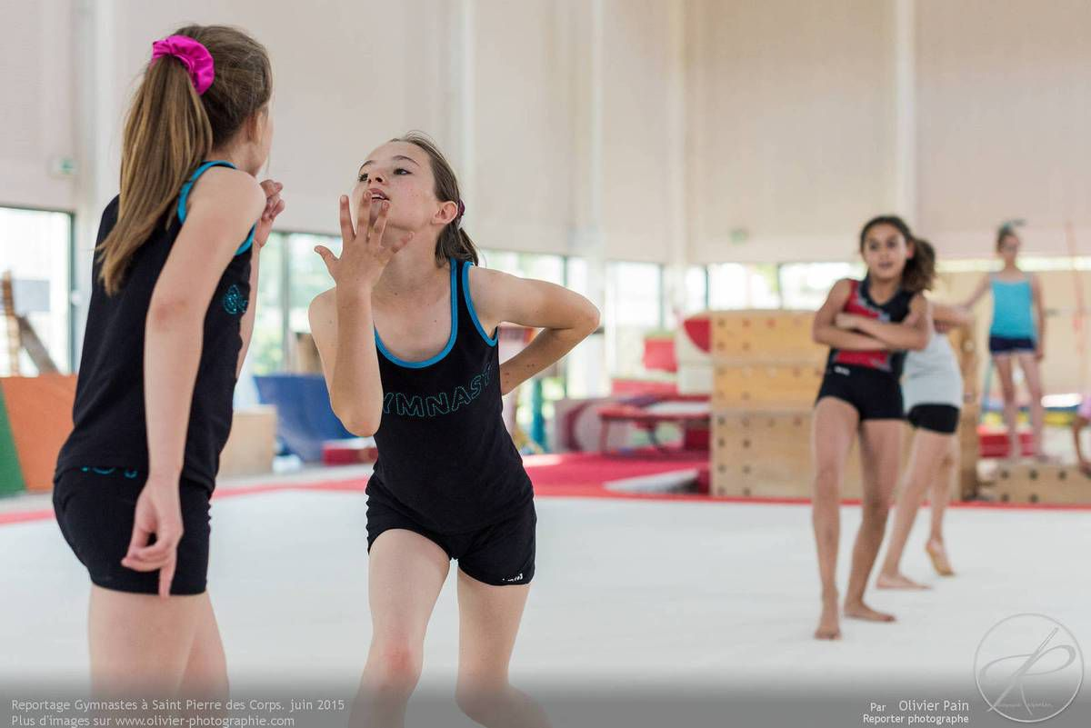 Reportage sur la gymnastique artistique féminine en France.
