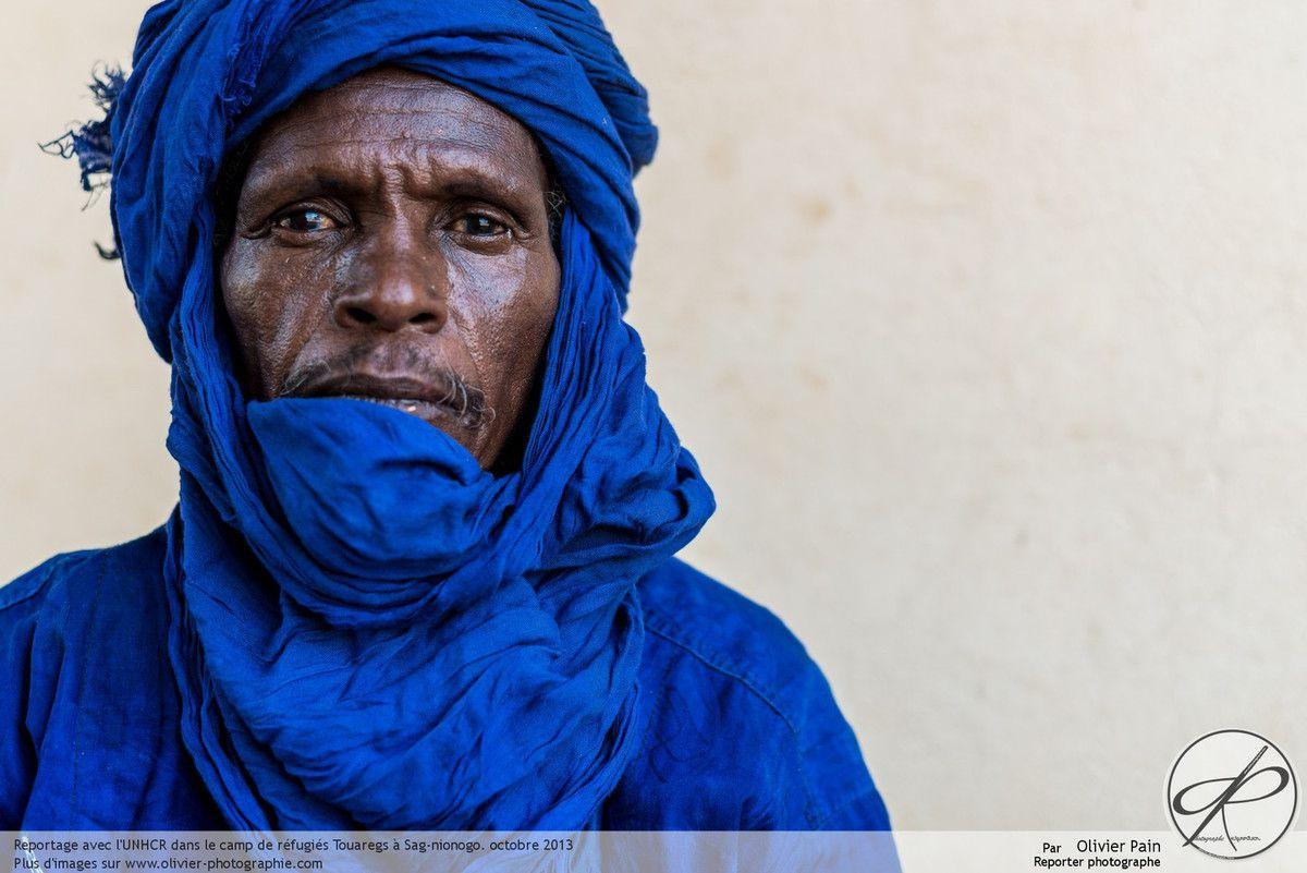 Le portrait de l'homme Touareg rencontré dans le camp de réfugiés de Sag-Nionogo au Burkina Faso