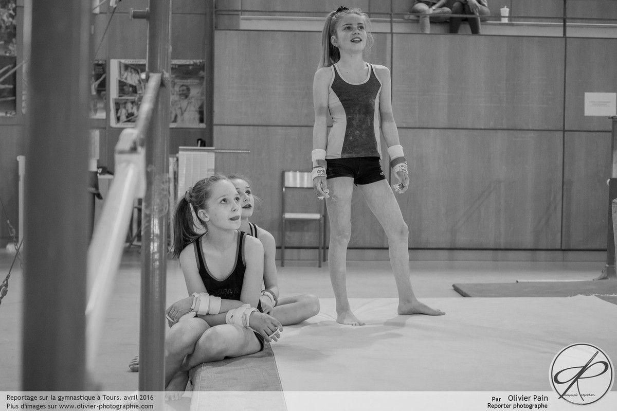 Reportage sur la gymnastique à Saint Pierre des Corps près de Tours en France. Suivi d'un groupe de jeunes gymnastes réalisé depuis 2011. Ici c'est avec un PEN-F équipé d'un 25mm que les photographies sont prises, test réalisé pour Germain photo, d'habitude, c'est un D810 ou D800E équipés d'un 50mm F/1.4 qui sont utilisés.