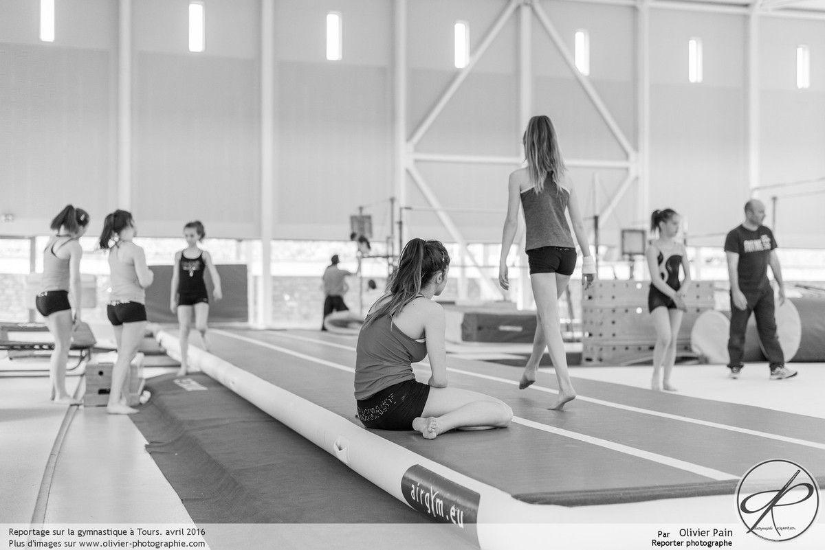 Reportage au gymnase de saint Pierre des Corps près de tours sur la gymnastique.