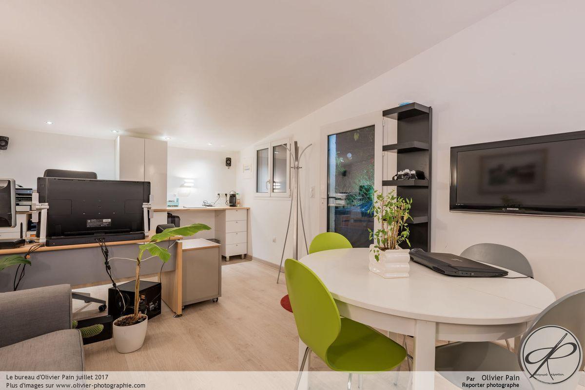 Le nouveau bureau d'Olivier Pain, situé à Tours centre.