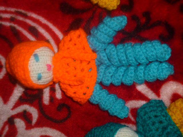 Poupée tricot et boîte