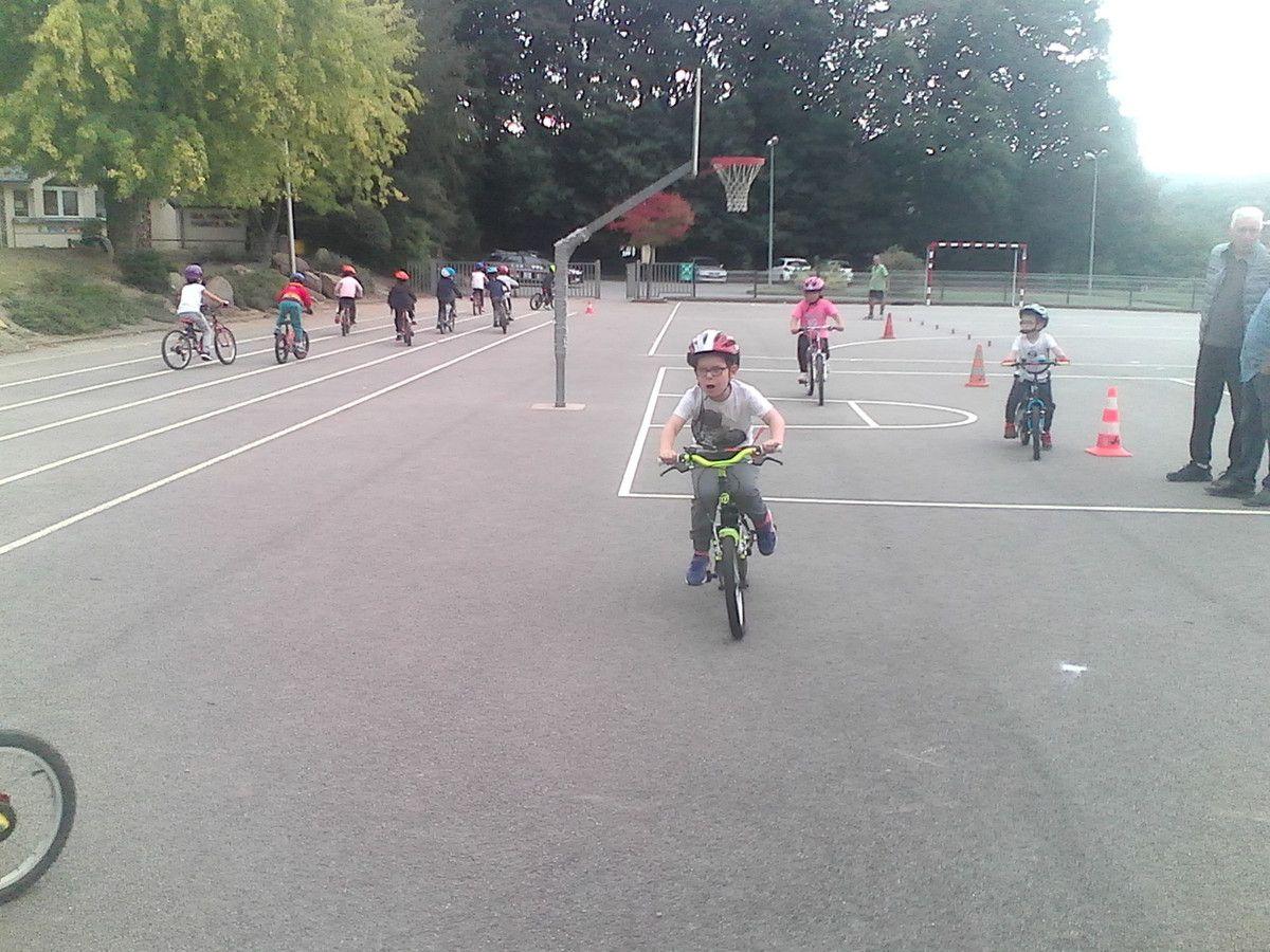 Les CP ont commencé les séances de vélo avec le VCC