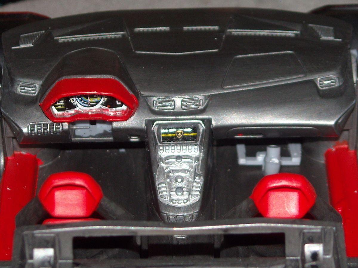 Lamborghini Aventador LP700   1/...