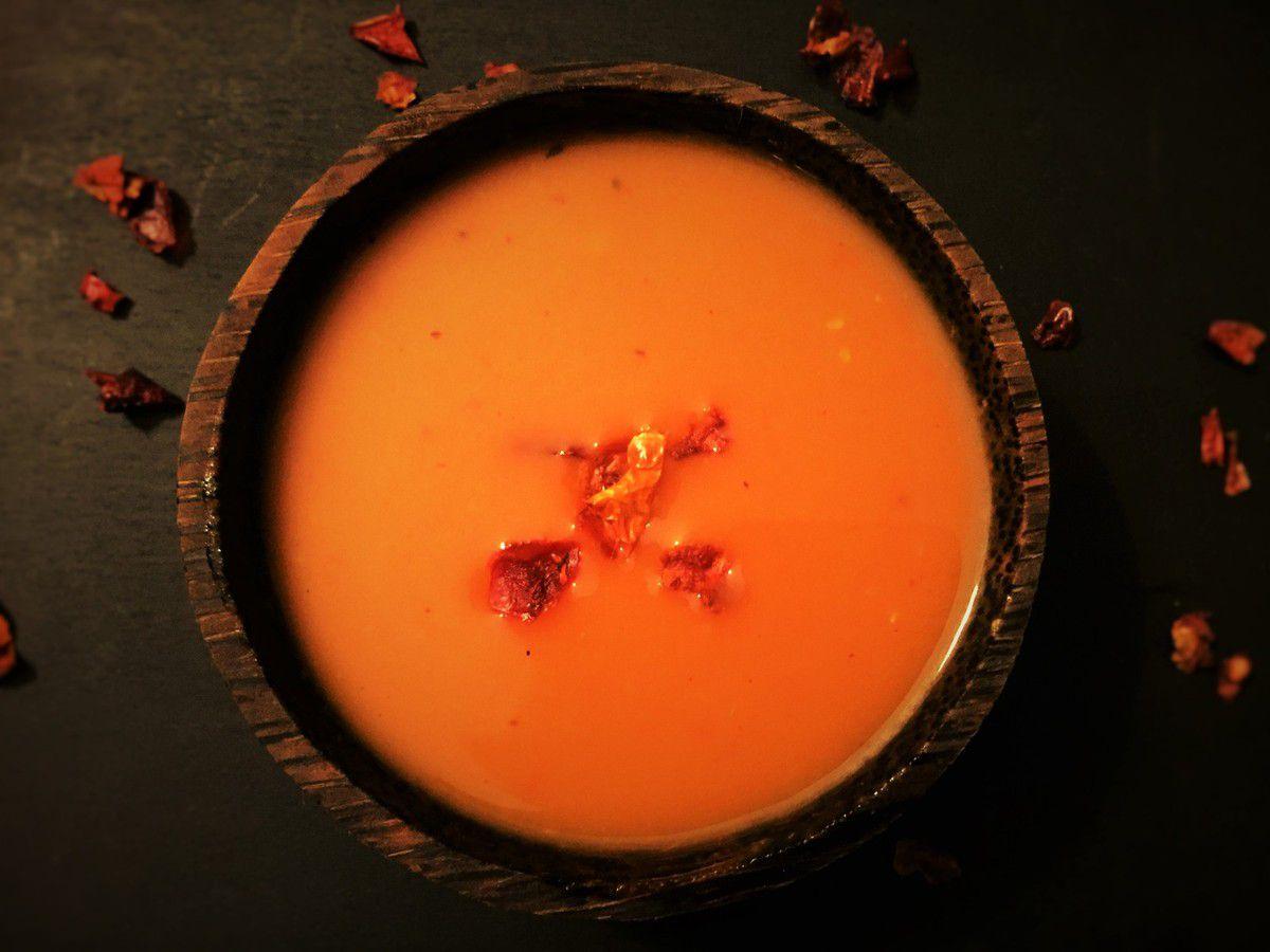 velouté de tomates aux poivrons grillés