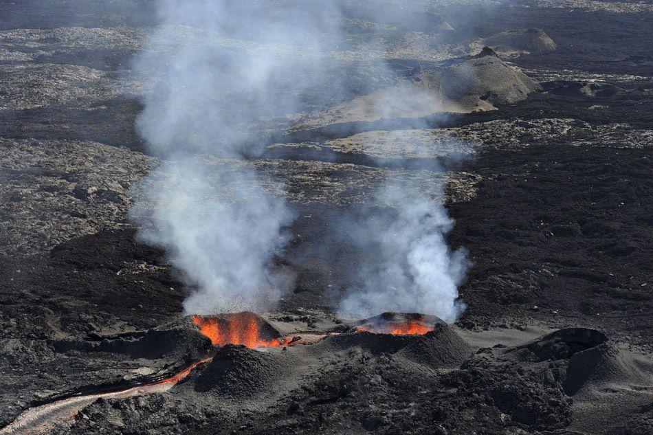 Rien ne peut égaler le Piton de la Fournaise, qui entre en éruption presque chaque année à la Réunion.