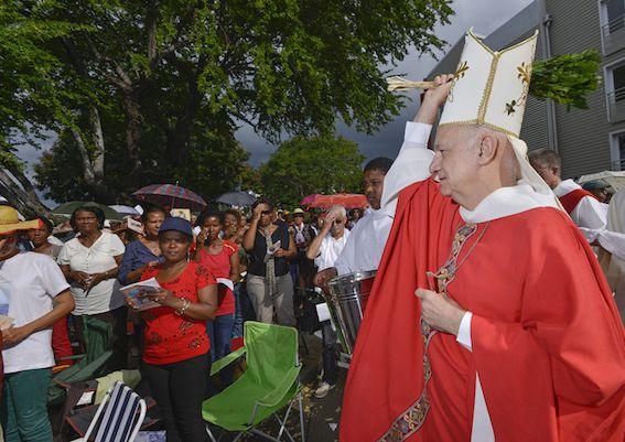 Gilbert Aubry a été nommé évêque à l'âge de 33 ans.