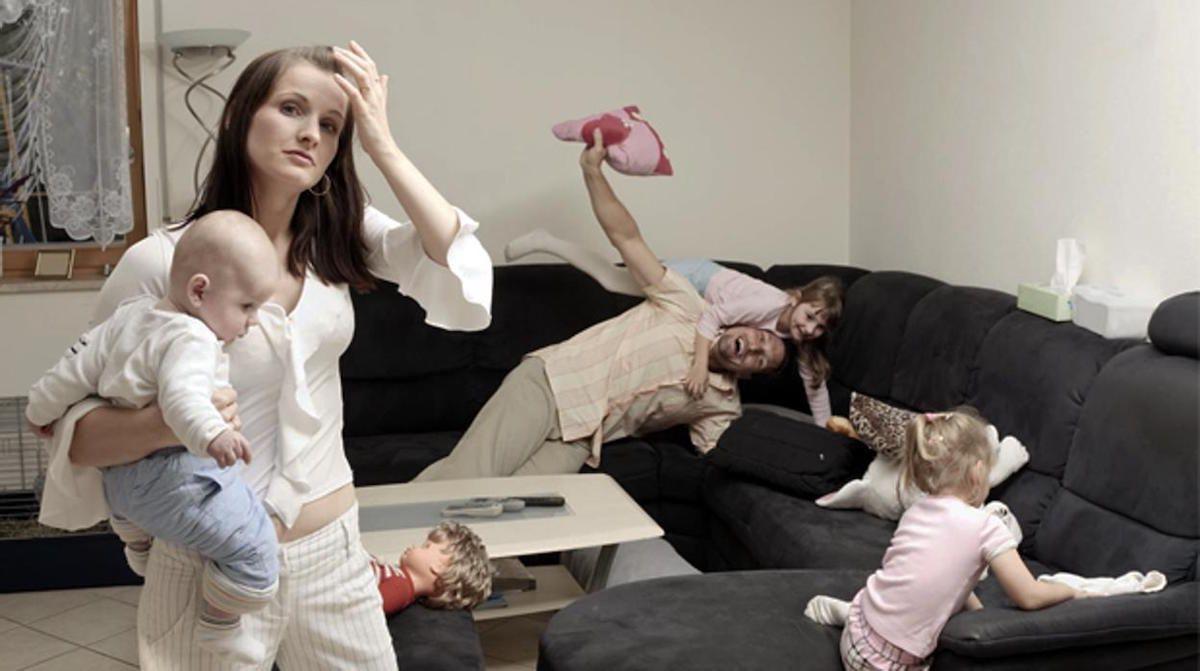 Un estudio afirma que es más estresante quedarse en casa con los niños que ir a trabajar