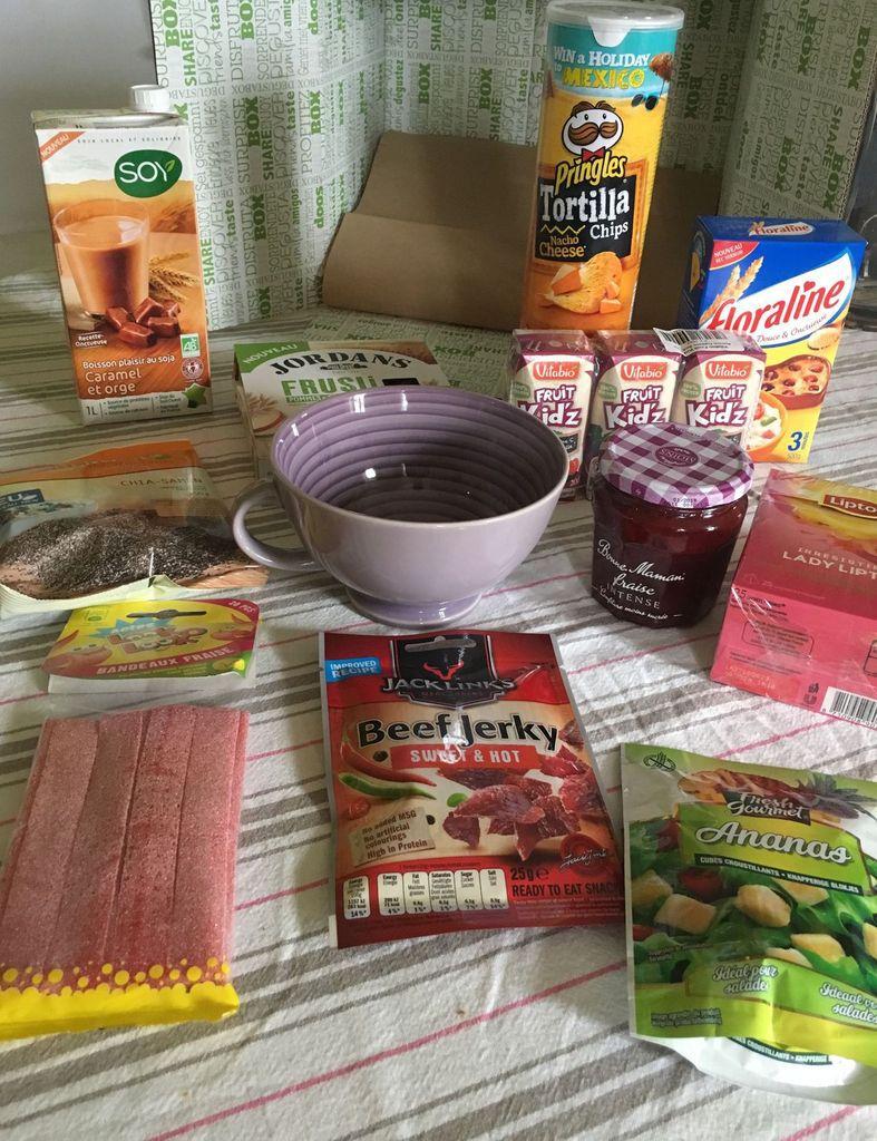 Verrine de panna-cotta à la fraise, meringue et chantilly façon vacherin- dégustabox février 2017-