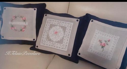 Tre cuscini - tre motivi a punto croce , due  libri: UBdesign
