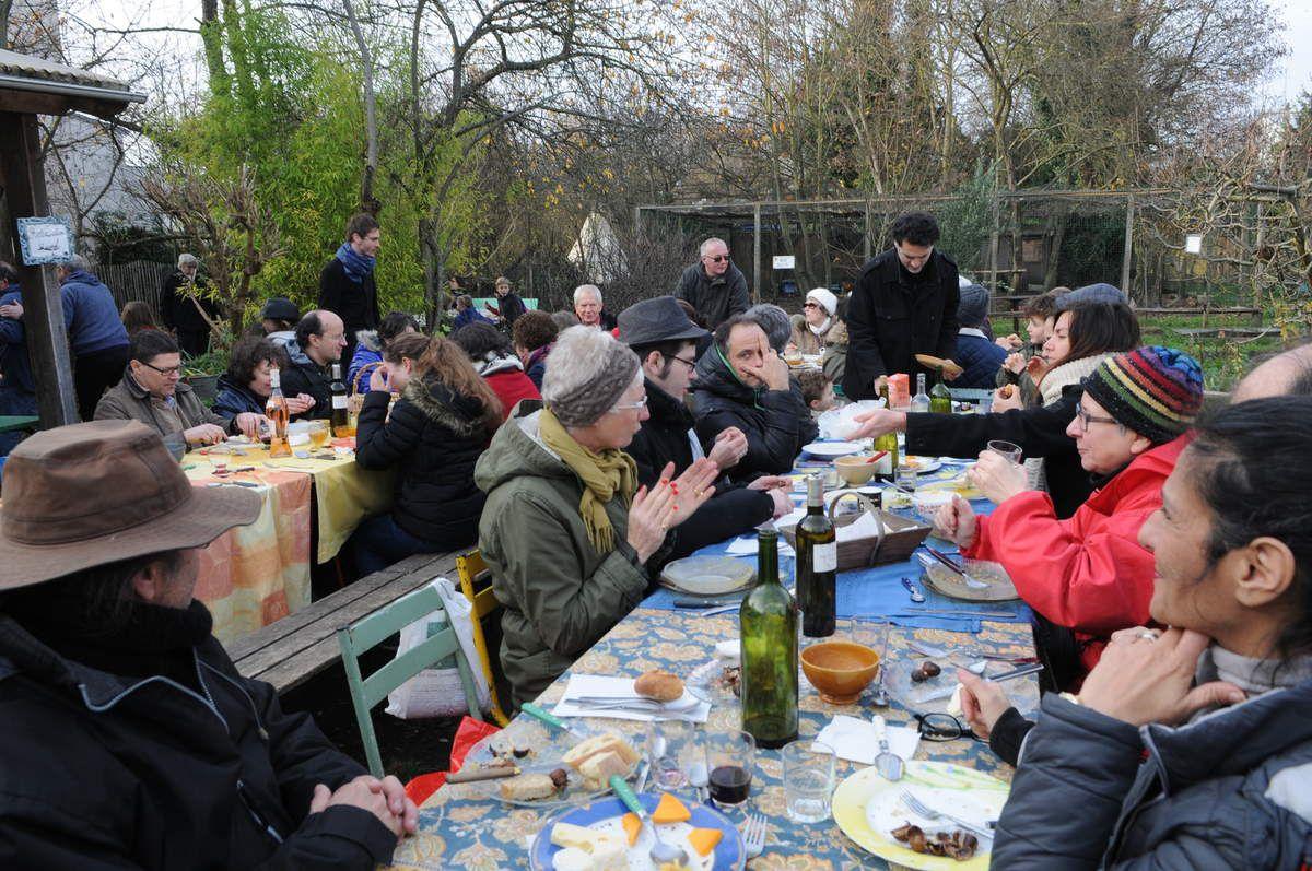 la soupe de potiron avec les châtaignes grillées pour les adhérents en novembre!! petite laine bienvenue