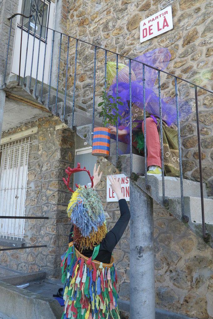 touff'ensemble et son carnaval avec LA  Fanfare Invisible a déambulé dans Fontenay samedi après midi sous un grand soleil de printemps ! un grand merci à tous les participants pour cette bonne humeur,et j'espère, la plus contagieuse